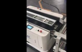 科罗玛特生产的AGV在协鑫光伏努力工作 (360播放)
